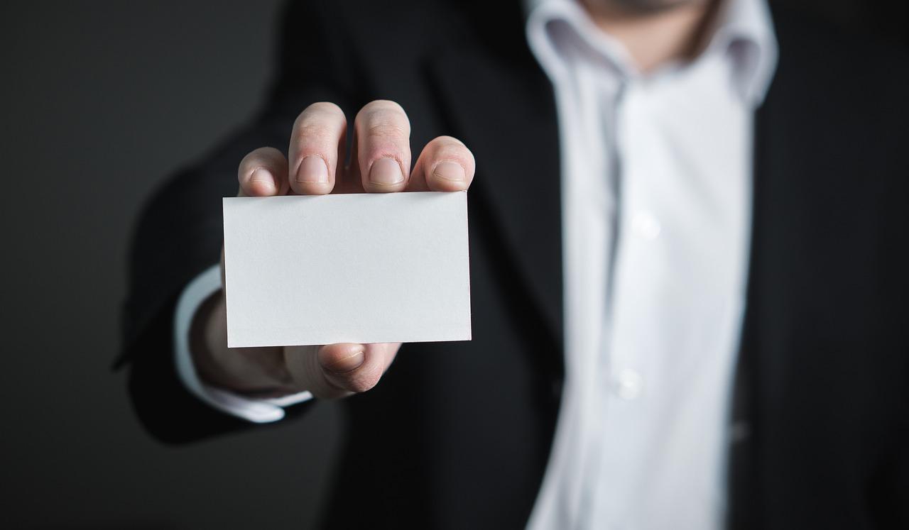 Cet Accessoire Constitue Un Support Papier Qui Prsente Brivement Votre Identit Professionnelle Trs Importante Une Carte De