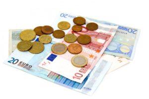 argent marque en espèces banque devise euro pièce de monnaie européen facture Remarques pièces de monnaie syndicat billet de banque factures